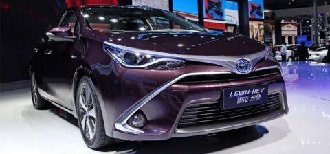 toyota-corolla-them-dong-co-1-2-tang-ap-o-trung-quoc-5