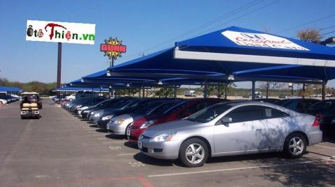 Sức mua xe ôtô mới giảm nhiệt, xe hơi cũ bắt đầu sôi động.