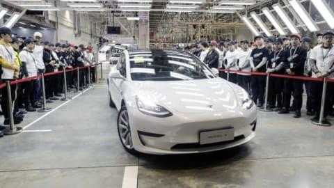 Những chiếc xe Tesla đầu tiên được chế tạo từ Thượng Hải, Trung Quốc