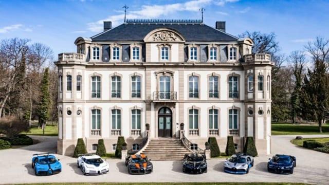 Bộ sưu tập siêu xe  Bugatti trị giá 35,6 triệu USD
